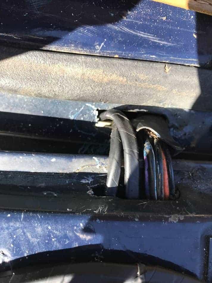 fix-Jeep-Grand-Wagoneer-Tailgate-Window-