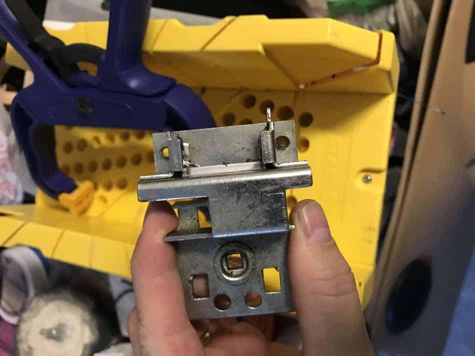 fix-a-Jeep-tailgate-switch