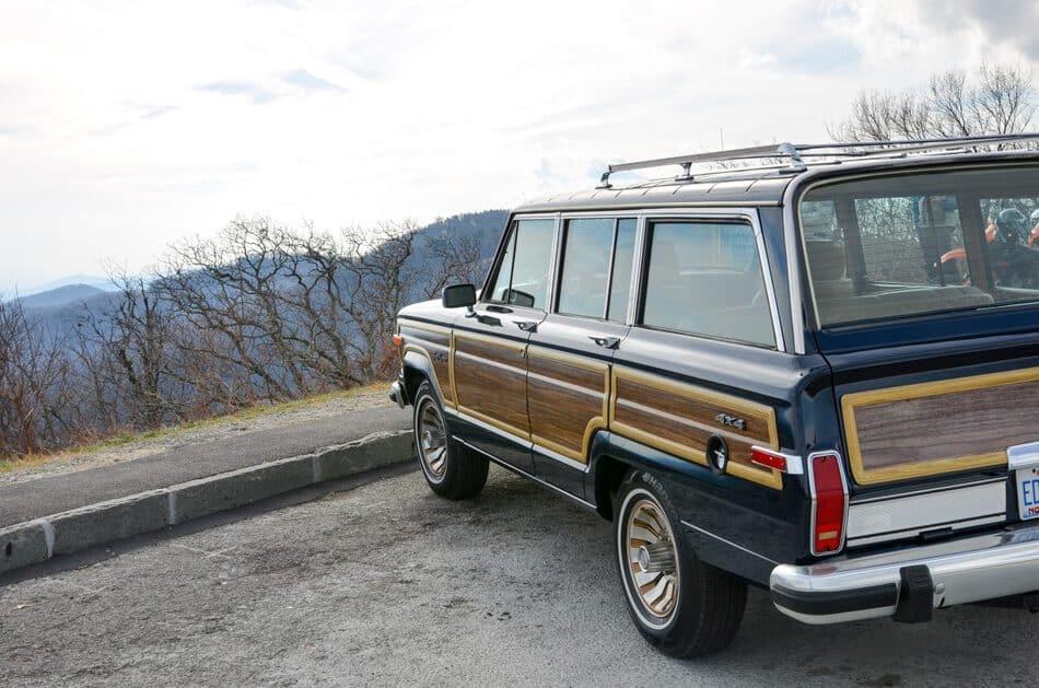 1987 Jeep Grand Wagoneer, blue with tan interior, woodgrain