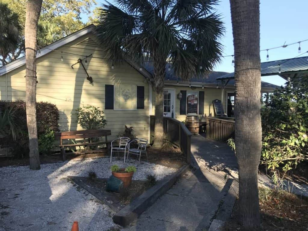 Johnsons Tavern at Hunting Island State Park, Where to eat, restaurant, bar, dinner