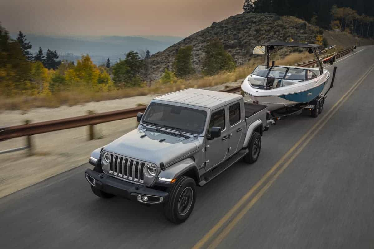 Towing with a Jeep Gladiator, Jeep Gladiator towing capacity, #Jeep #Jeeptruck