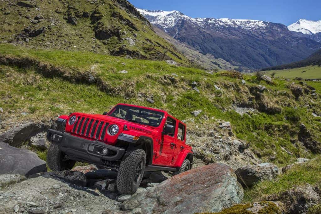 How Much Does It Cost To Lift A Jeep Wrangler? The Definitive Guide!