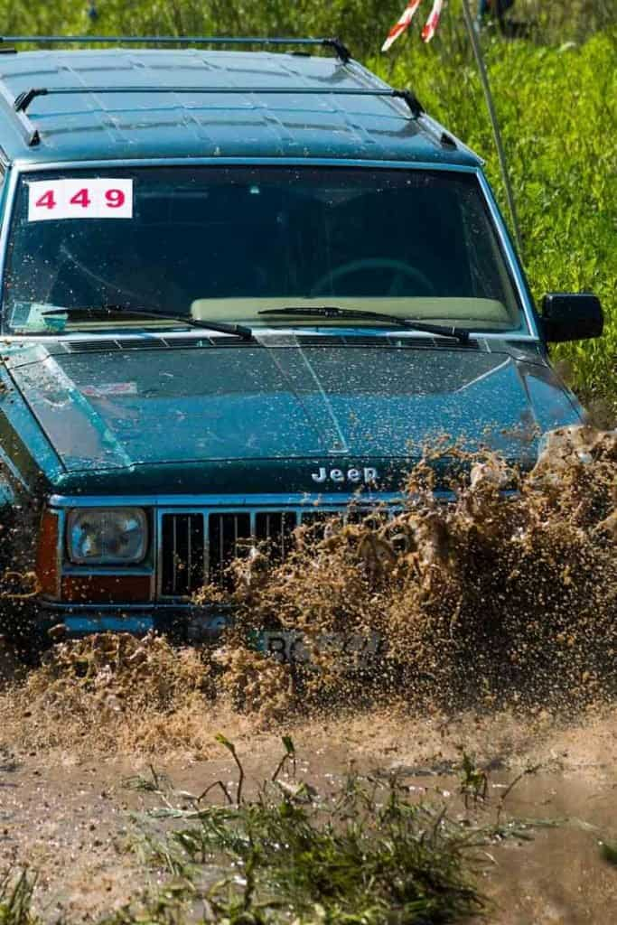 offroading in a Jeep, Do all Jeeps have drain plugs? #Jeep