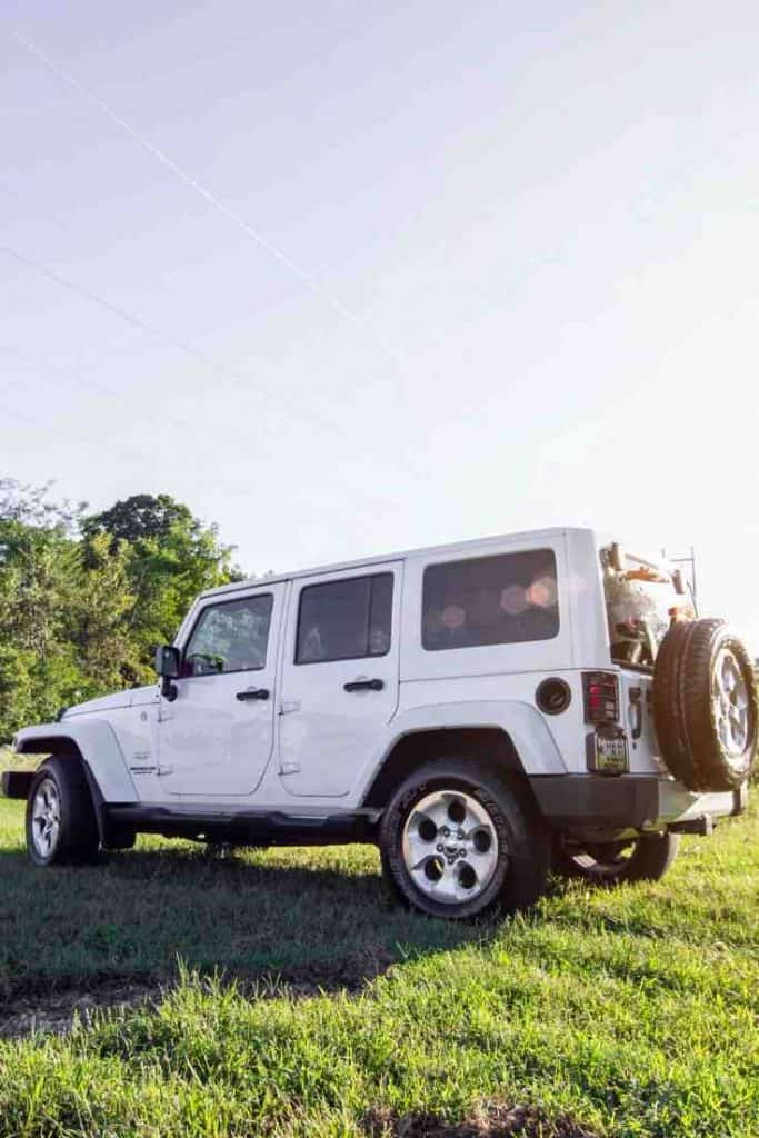 How to Replace Jeep Hard Tops with Soft Tops (and Vice Versa)