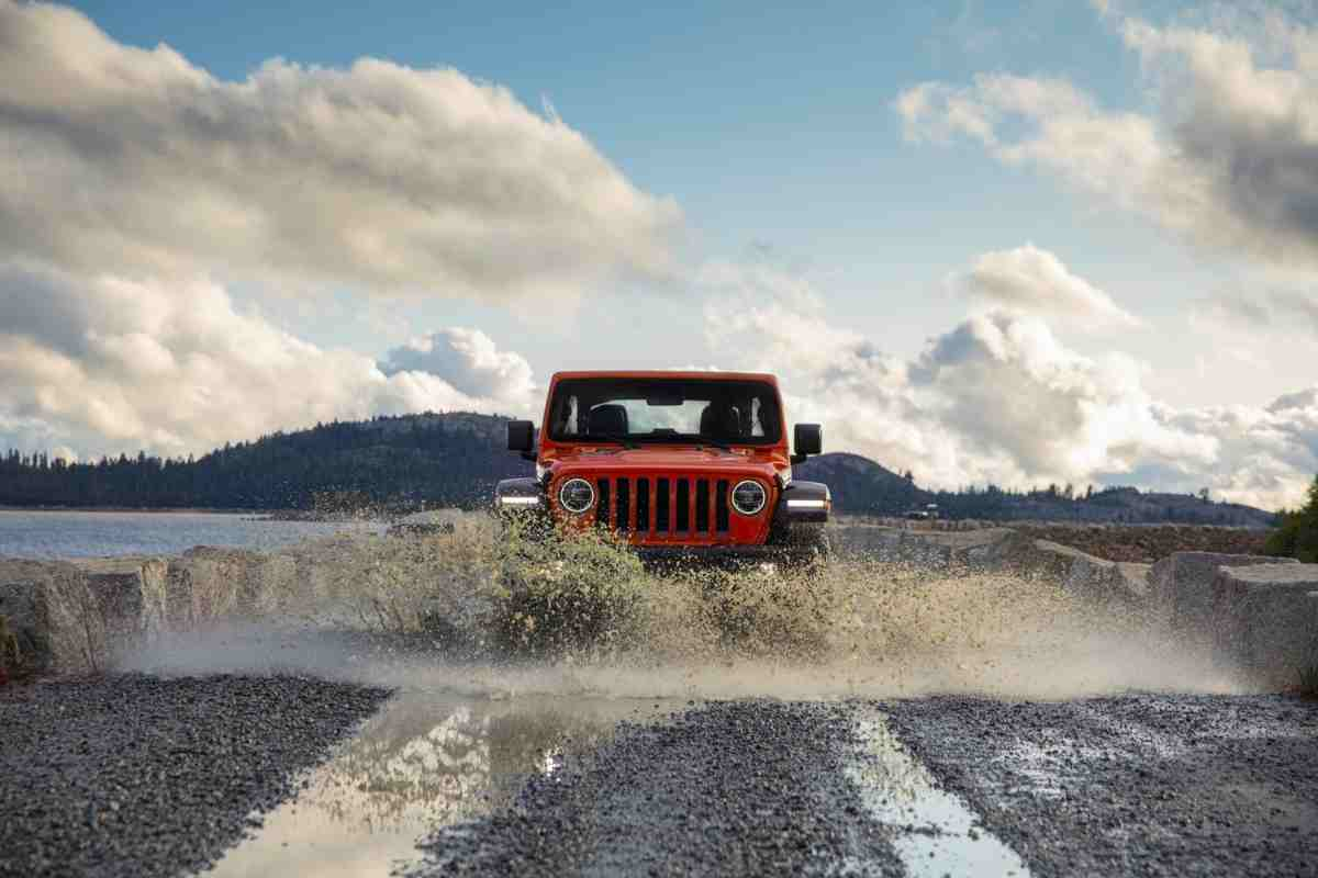 What Jeeps Have Lockers? Can You Add Locking Differentials to a Jeep that Does Not Have One?