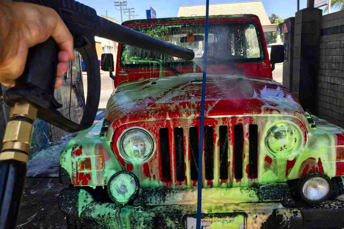 Jeep Soft Top In Touchless Carwash