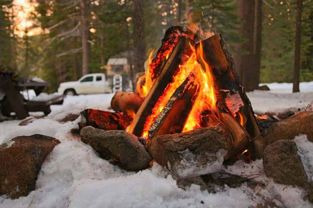 8 Tips For The Ultimate Winter Jeep Camping Trip #Jeep #Camping