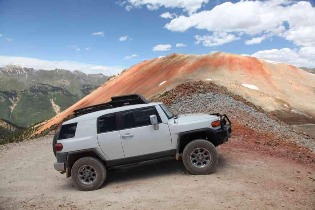 What Are the Pros and Cons of Owning a Toyota FJ Cruiser?