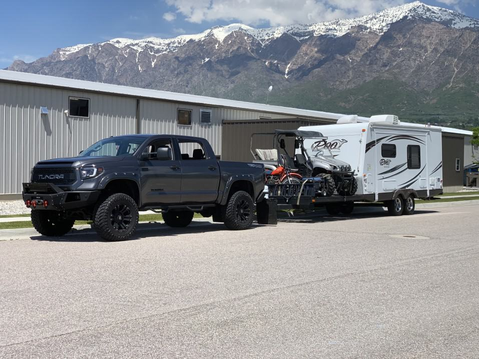 Can a Toyota Tundra Tow a Fifth Wheel or Toy Hauler?