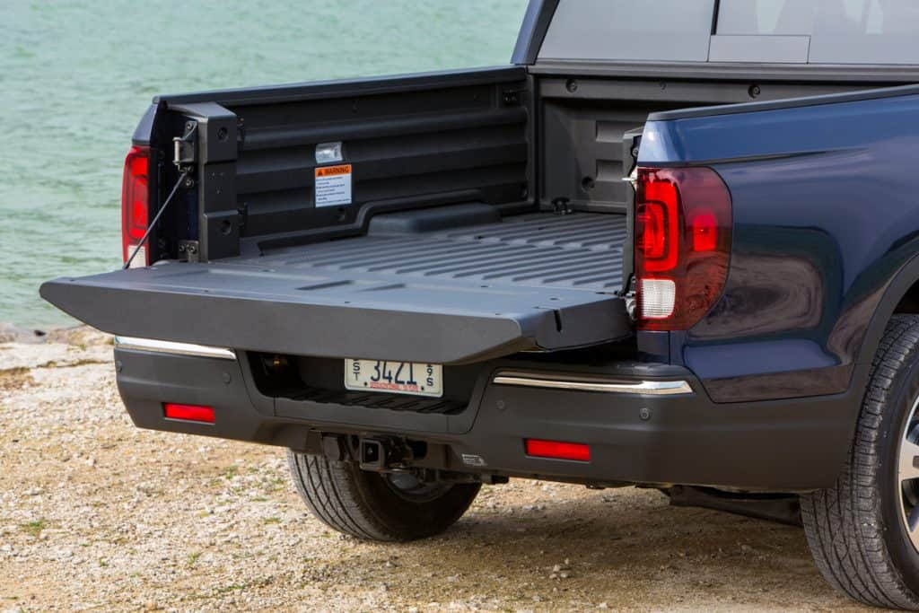 BEST 3/4 TON TRUCKS FOR TOWING Boats, Campers, and Trailers