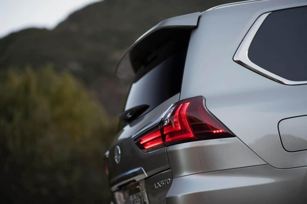 Does the Lexus LX 570 Require Premium Gas?