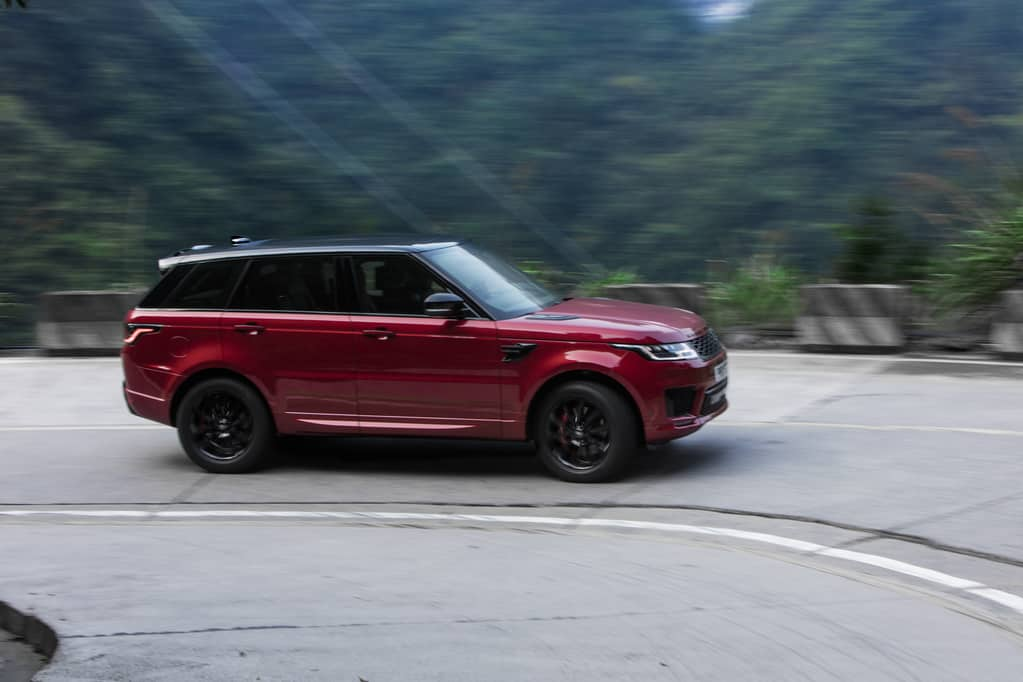 Land Rover Range Rover Sport - Does Range Rover Have a Third Row to Seat 7 Passengers?