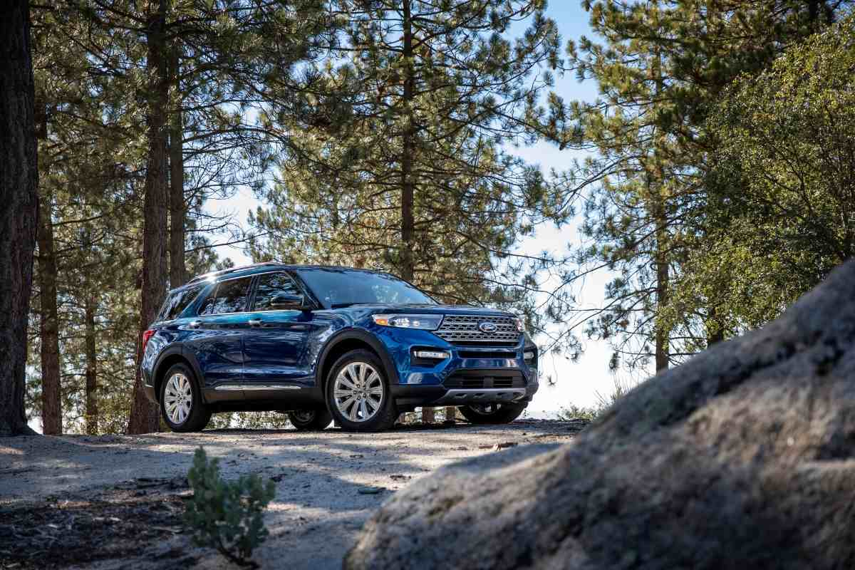 Will a Full Size Bed Fit In the Ford Explorer?