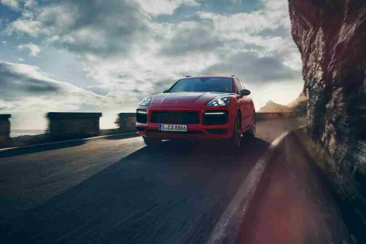 Porsche SUV: Can the Porsche Cayenne Tow a Camper? #Porsche #Cayenne #SUV #camper #towing #towingcapacity #trailer #rv