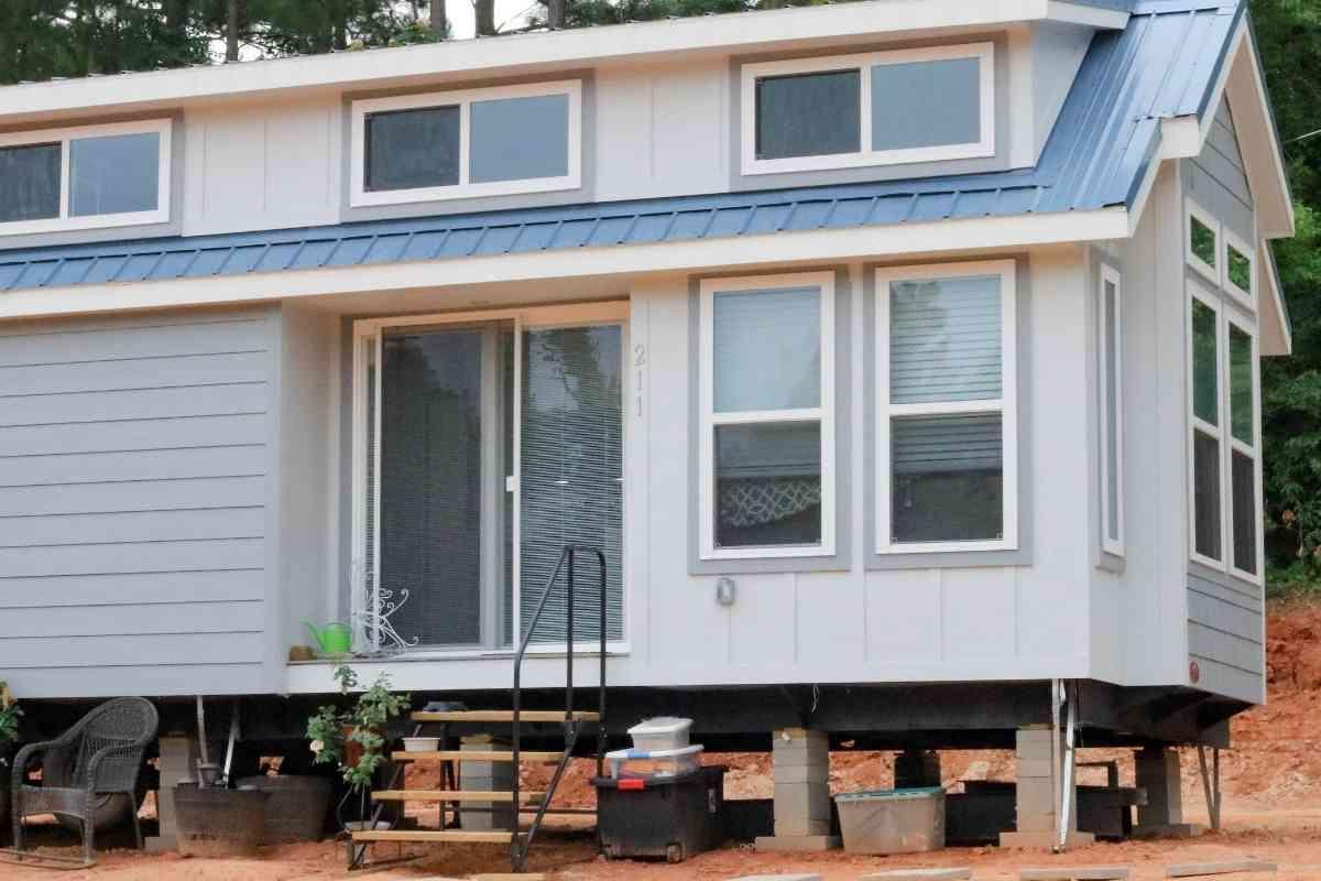 Can A Toyota Tacoma Pull A Tiny House? #tinyhouse #toyota #towingcapacity #tacoma #tacotruck