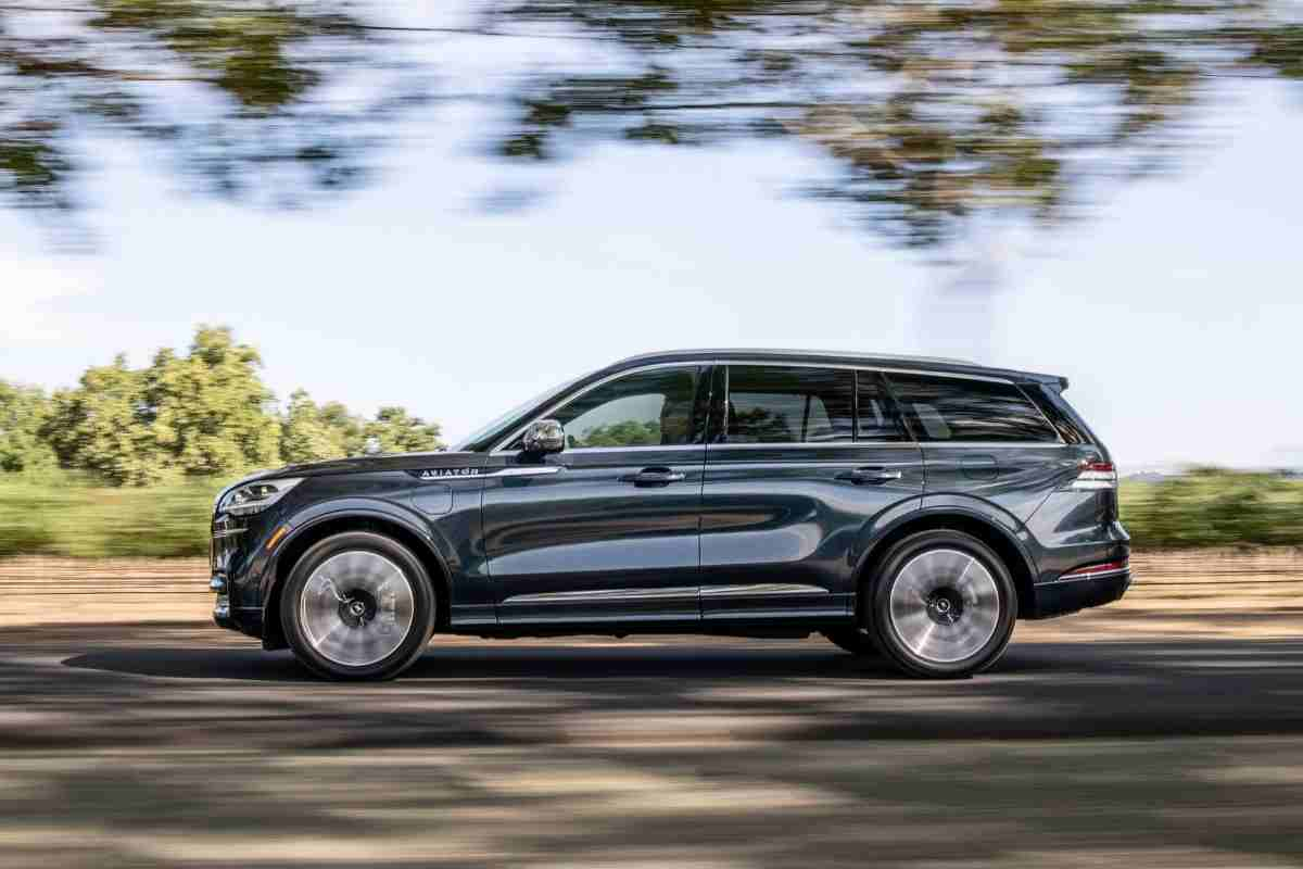 Can A Lincoln Aviator Be Flat Towed?