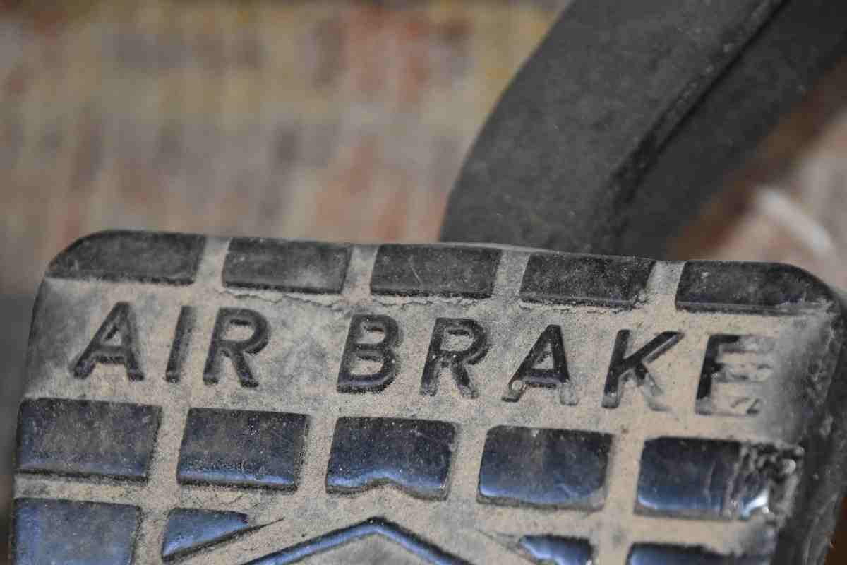 Why Do Trucks Use Air Brakes?