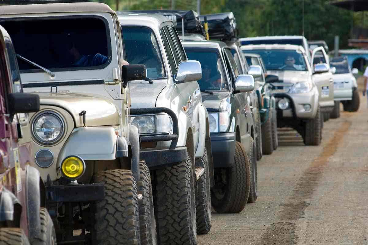 Driving In 4 Wheel Drive [14 Must-Knows Tips]