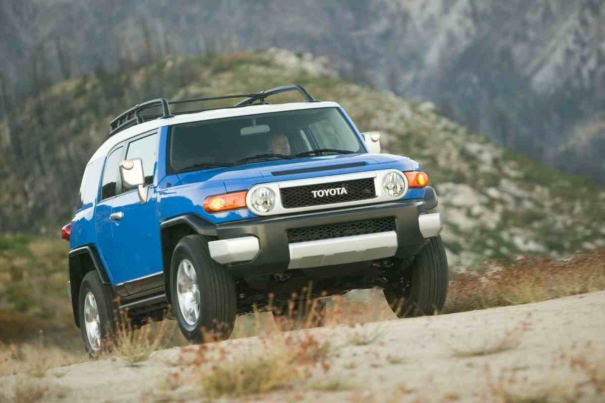What is the Biggest Tire You Can Put on a Stock FJ Cruiser? #toyota #fjcruiser #OFFROAD #4x4 #vintage4x4